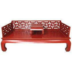 Banquette opium chinoise teinte rouge patinée